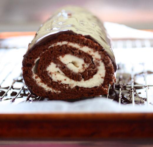 nosheteria » Blog Archive » Chocolate Swiss Roll/Giant Ho Ho